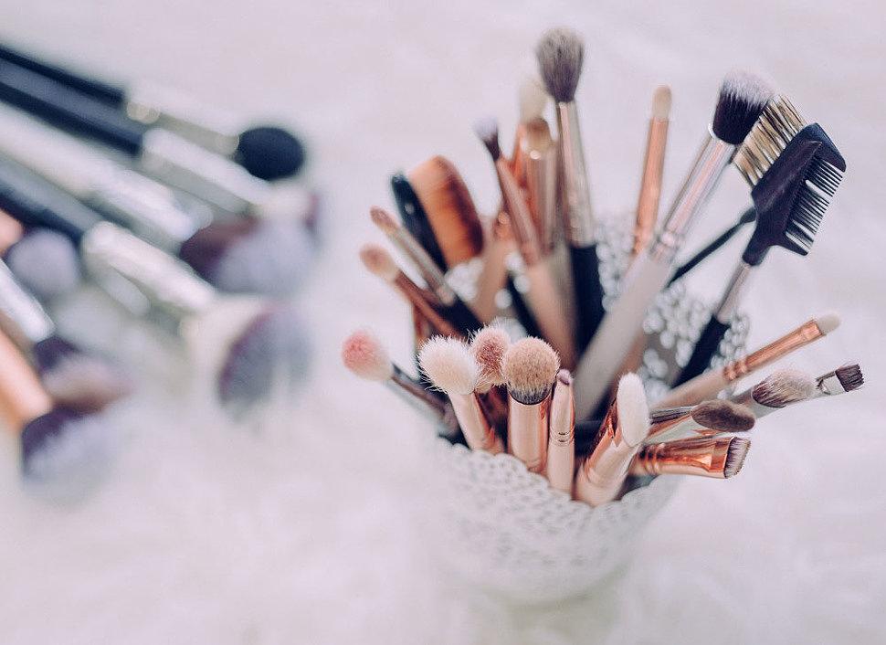 Кисти для выразительно макияжа