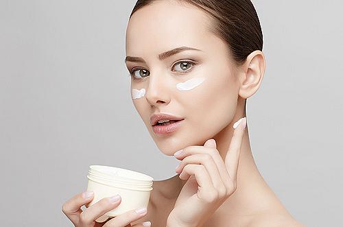 Средство для кожи вокруг глаз