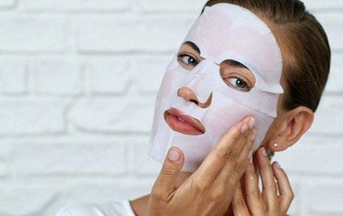 Белая тонизирующая маска для лица
